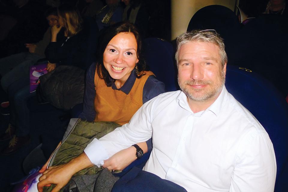 研發總監帕馬爾與妻子。 (亦凡/大紀元)