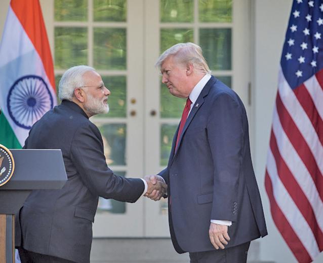 圖為特朗普與印度總理納倫德拉莫迪(Narendra Modi)2017年6月在白宮玫瑰園舉行新聞發佈會。(AFP)