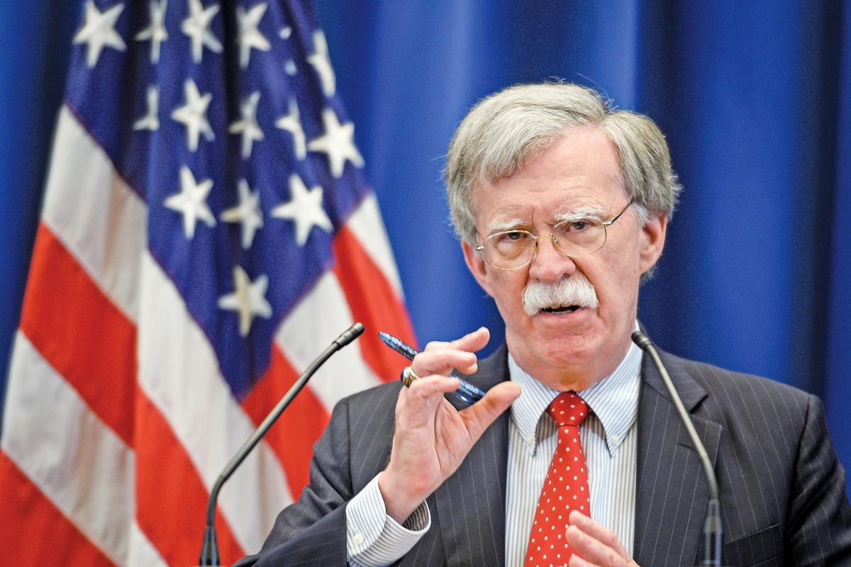 美國國家安全顧問博爾頓3月5日對北韓發出警告,如果平壤不願意完全放棄核武計劃,美國將考慮加大對其制裁的力度。(AFP)