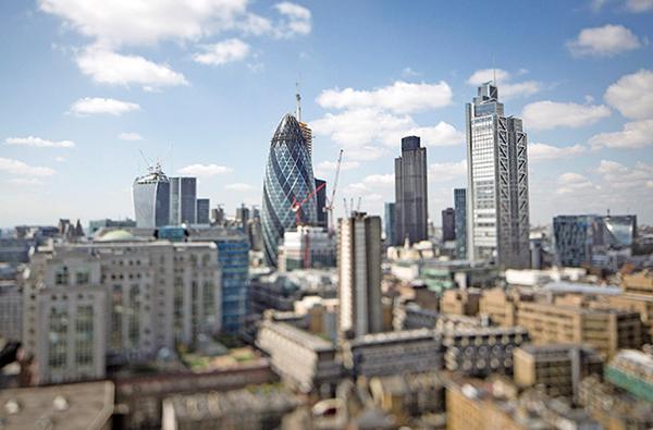 受脫歐帶來的不明朗因素影響,英國消費信心跌至新低。圖為倫敦的鳥瞰圖。(大紀元圖片庫)