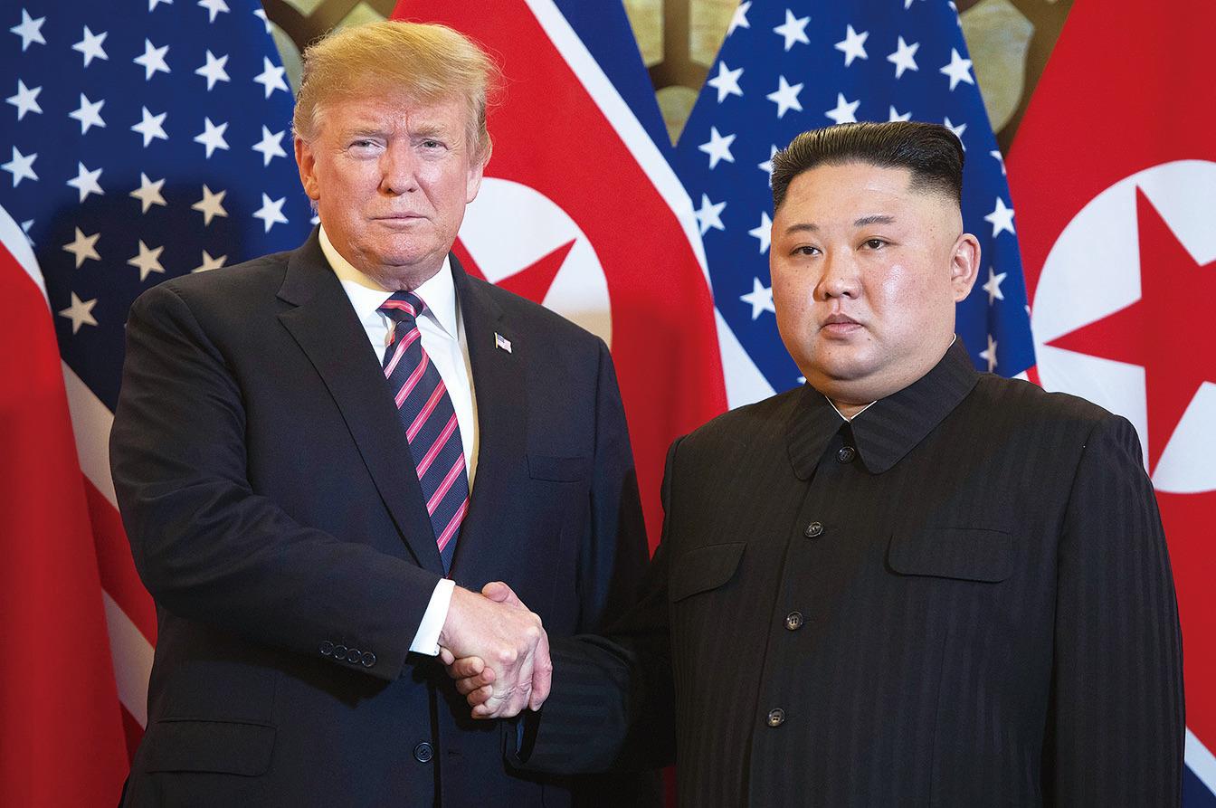 特朗普和金正恩在2月27日於越南河內舉行第二次美朝首腦會談。期間談判出現分歧,導致會談無疾而終。(Saul Loeb/AFP/Getty Images)