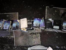 美教堂遭大火焚燬 《聖經》和十字架未受損