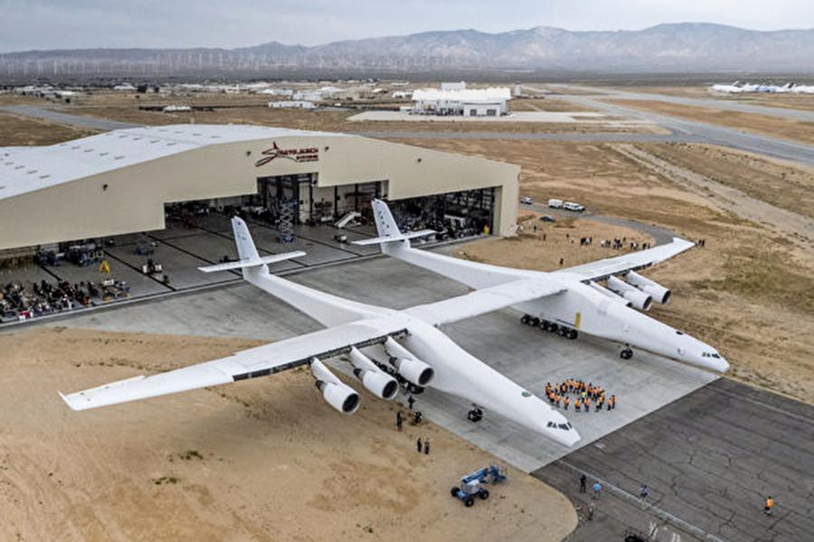 翼寬賽過足球場 全球最大飛機2019年首航