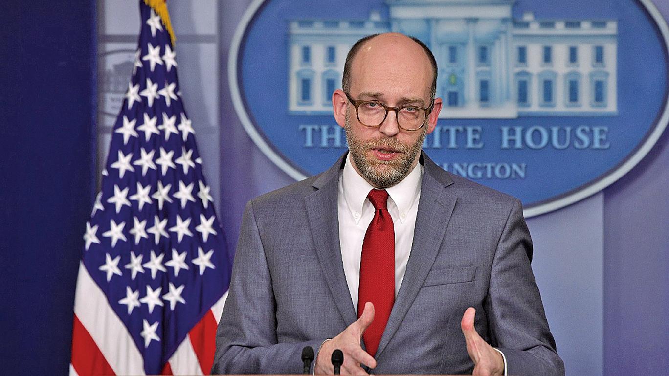 3月11日,白宮管理與預算辦公室代理總監沃德(Russ Vought)參加新聞發佈會,就2020財年預算案發表評論。(Getty Images)