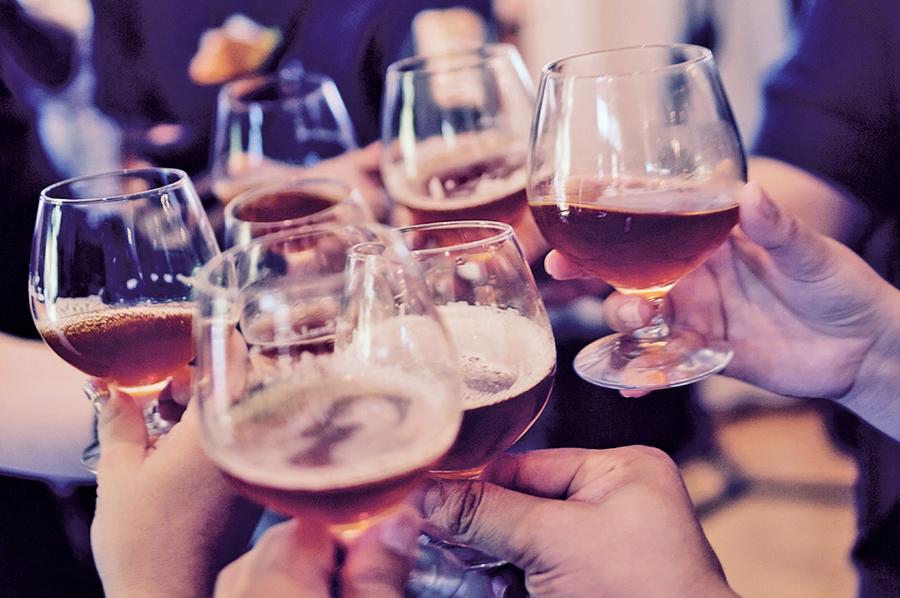 研究:飲酒利弊和年齡有關 年輕人反而不宜喝酒