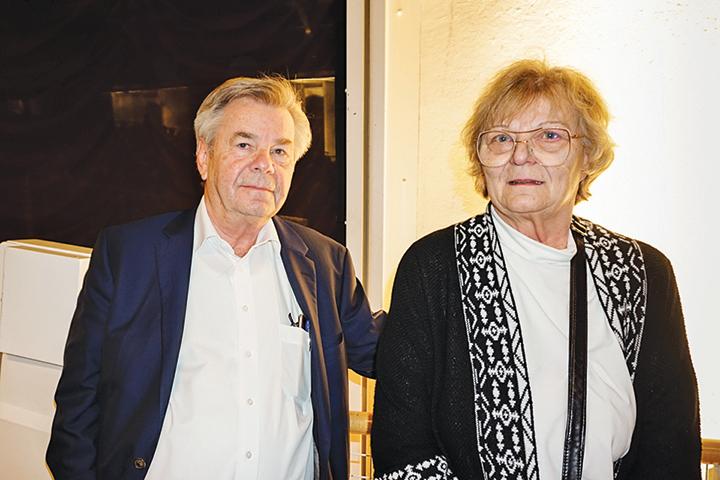 管理諮詢公司董事克里斯特和太太。(金湖/大紀元)