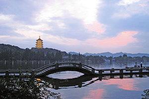 吳越王篤信佛法 與杭州數百年繁華