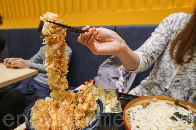 穴子味道不像平時食的鰻魚,頗特別。