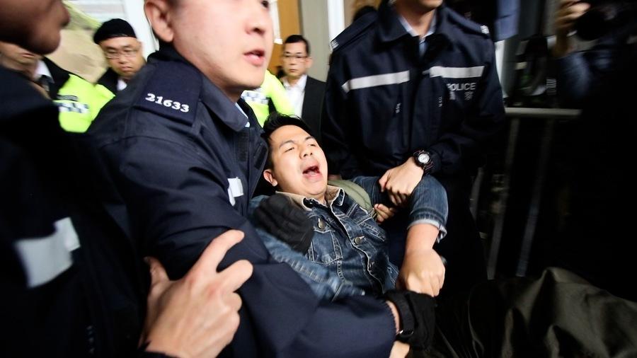 香港眾志抗議修訂逃犯條例 9人被捕