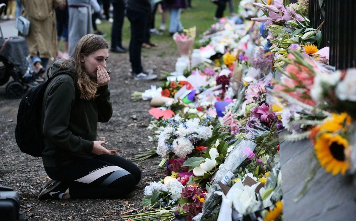 3月17日(周日),在紐西蘭基督城恐襲事件中喪生的人數已上升至50人。圖為公眾悼念遇難者。(Getty Images)