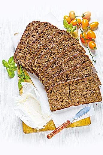 由於麩質含量較低,黑麥麵包有較厚重的質地。