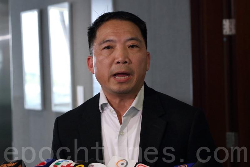 胡志偉批評林鄭月娥提出修訂《逃犯條例》,是將殺人案件淪為自己的表忠工具。(蔡雯文/大紀元)