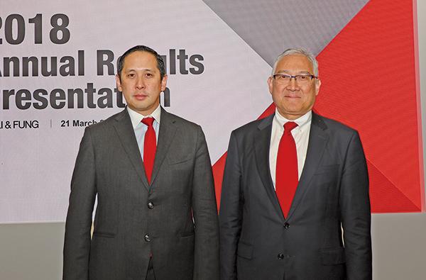 利豐主席馮國綸(右)和行政總裁馮裕鈞(左)(江夏/大紀元)