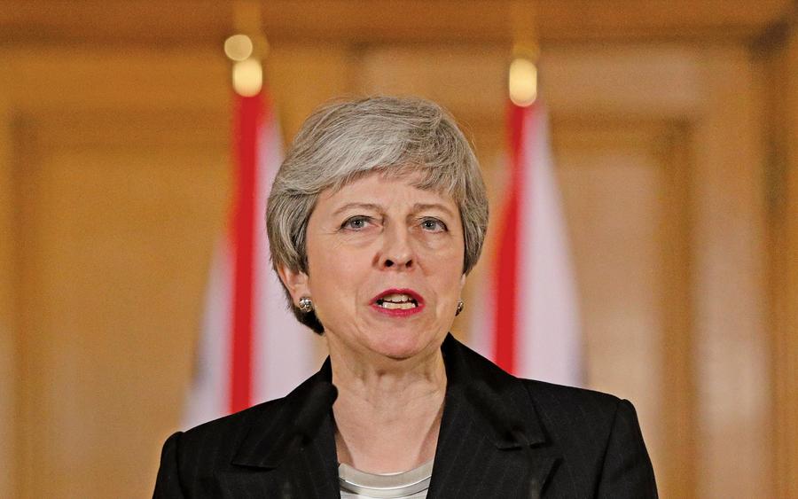 英首相:脫歐最遲延至六月