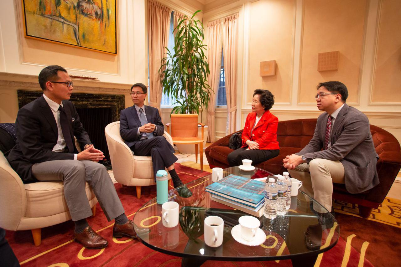 陳方安生、莫乃光和郭榮鏗三人訪美期間,與不同的界別人士會面。莫乃光又預告,陳方安生將於當地時間星期二會與眾議院議長佩洛西會面。(莫乃光Facebook圖片)
