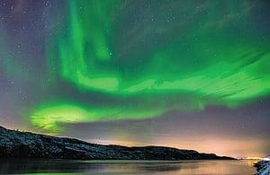 上週末 美國多州欣賞罕見北極光