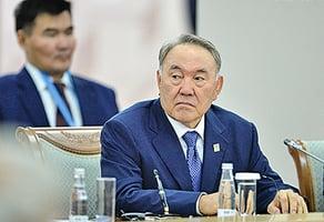 哈薩克斯坦總統突然辭職