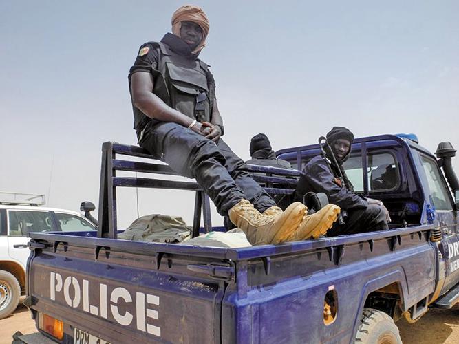3月23日,西非國家馬利中部地區,一群武裝槍手攻擊遊牧民族,奪走至少134條人命。(AFP)