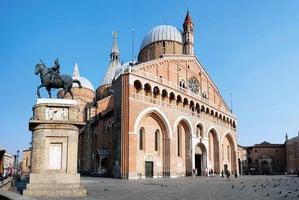 意大利教堂壁畫上的中國元素
