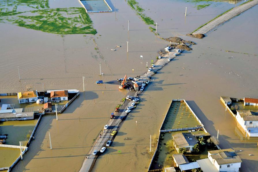 伊朗史無前例大洪水十九死