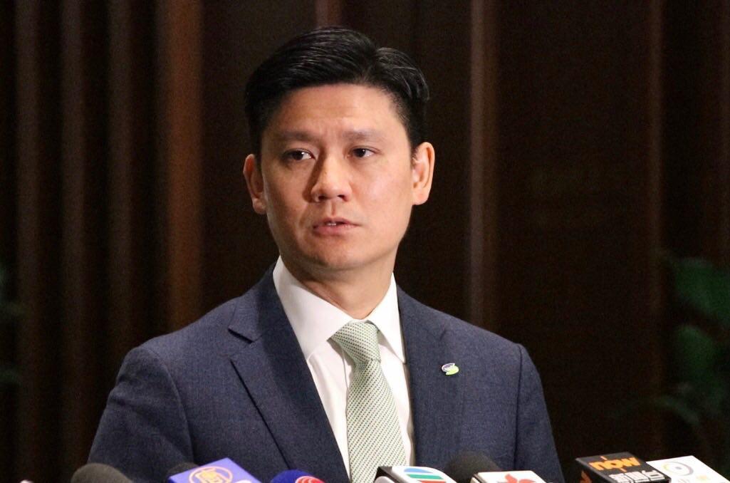公民黨立法會議員譚文豪不擔心會出現一間航空公司獨大的情況。(蔡雯文/大紀元)