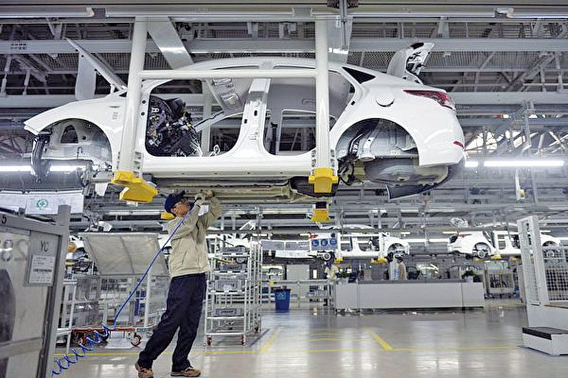 有大陸學者表示,不改革開放是中國經濟最大風險。數據顯示中國1-2月規模以上工業企業利潤同比降幅達14%。(Getty Images)
