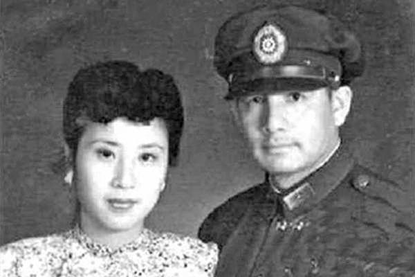 張靈甫將軍與妻子王玉齡。(公有領域)
