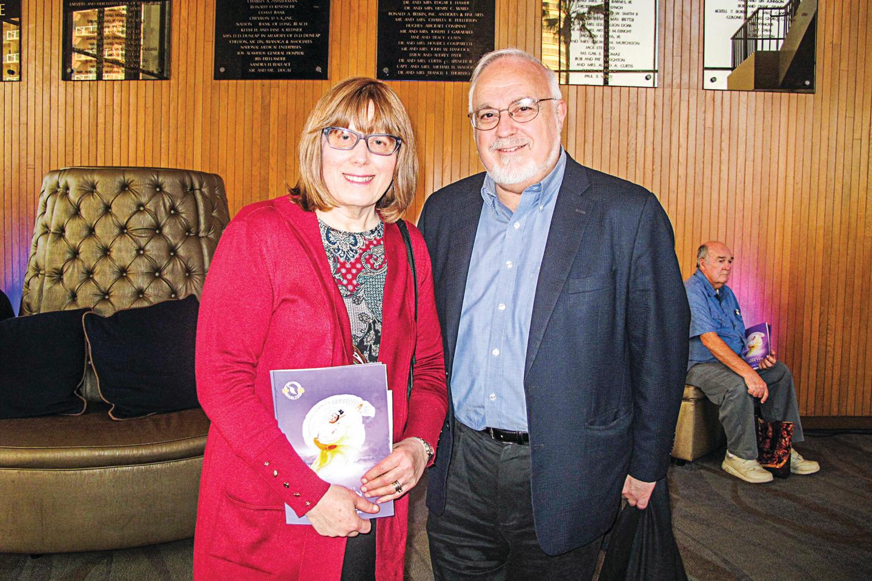 美國著名猶太人人權活動家庫柏和太太。(劉菲/大紀元)