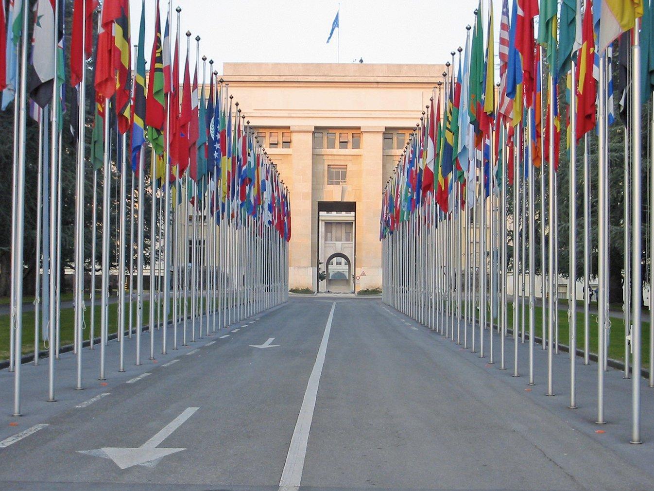 人權觀察周一(4月1日)披露,前不久在日內瓦舉行的聯合國人權理事會會議期間,中共全程利用施壓和警告來遏制國際對其惡劣人權紀錄的批評。圖為聯合國日內瓦辦事處的主要辦公場所萬國宮。(Yann/Wikimedia commons)