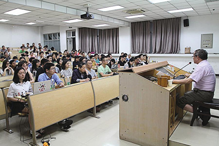 中共收買大學生當特務 監控教師行徑曝光