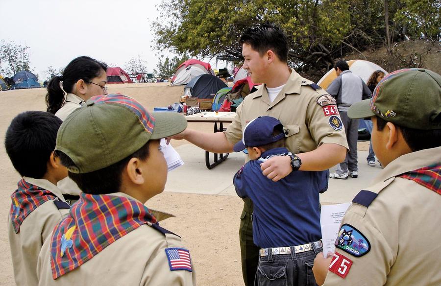 為反政治獻金 華裔高納森挑戰加州市長