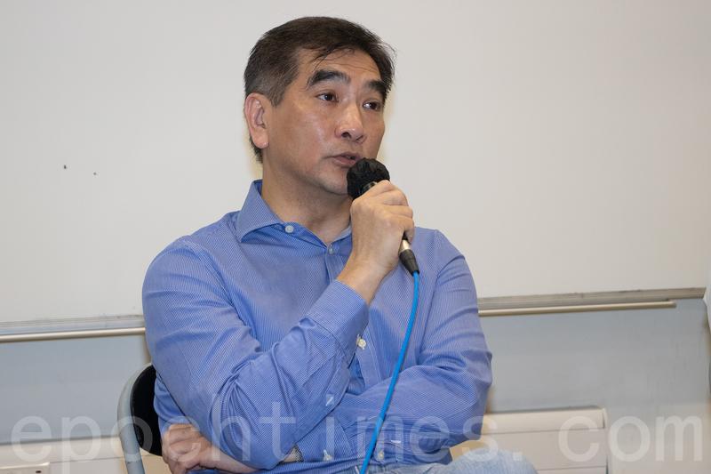 鍾國斌被追問投票意向時,表示自已有勇氣向中聯辦說「不」。(蔡雯文/大紀元)