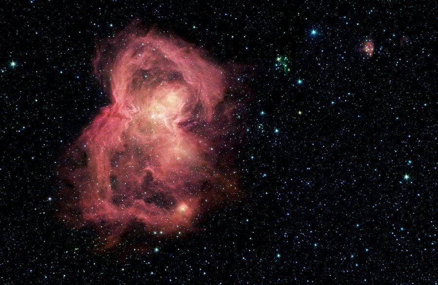 「太空蝴蝶」孕育數百顆新生恆星
