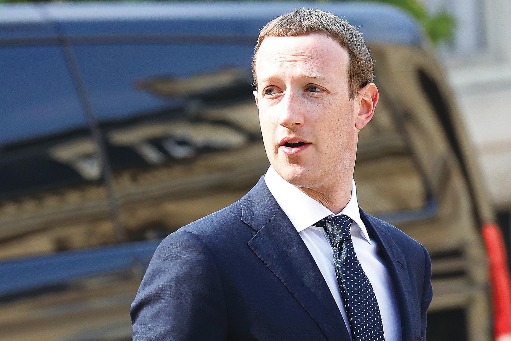 臉書CEO朱克伯格提議規範互聯網,美國學者愛潑斯坦則認為朱克伯格的4項提議都是為臉書利益服務,不能解決目前存在的威脅。圖為朱克伯格2018年在巴黎的照片。(Getty Images)