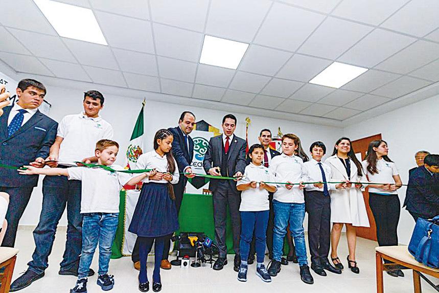 達芙妮的爸爸,阿斯德魯伯為了幫助更多天才兒童,在墨西哥市創辦了一所為天才兒童提供教育的特殊學校CEDAT。(Centro de Atencion al Talento Facebook)