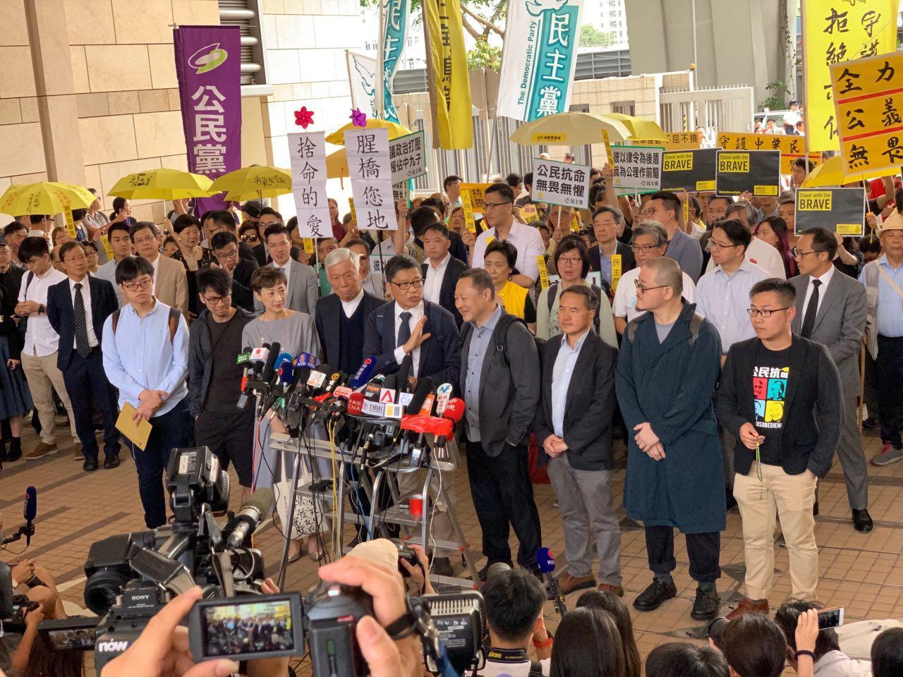 2014年支持民主的雨傘運動9名領袖被裁定「公眾妨擾」罪名成立。(李逸/大紀元)
