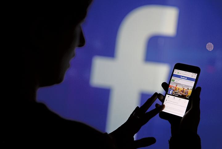 近日傳出中共積極收改臉書粉專、招募網紅,疑為滲透台灣影響大選,已成新的國安議題。(Getty Images)