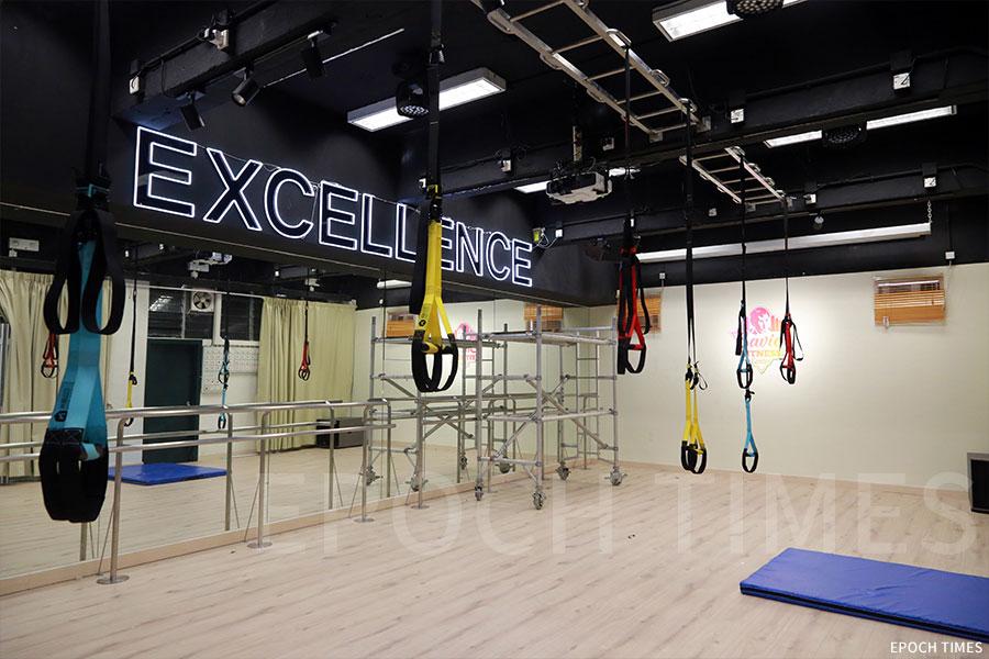 學校的健身房擁有良好的設施。(陳仲明/大紀元)