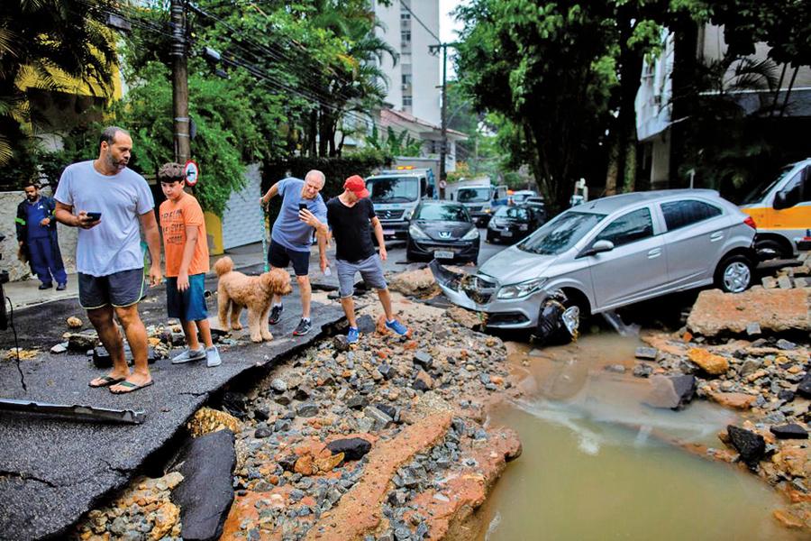 圖片新聞 暴雨土石流肆虐 里約進入緊急狀態