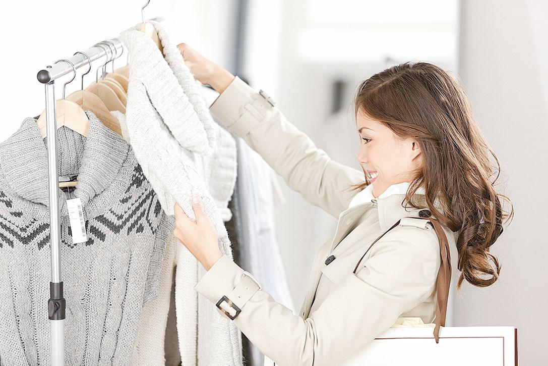 拒絕消費,儘量不再隨意購買,保持衣櫥處於極簡狀態。(Fotolia)