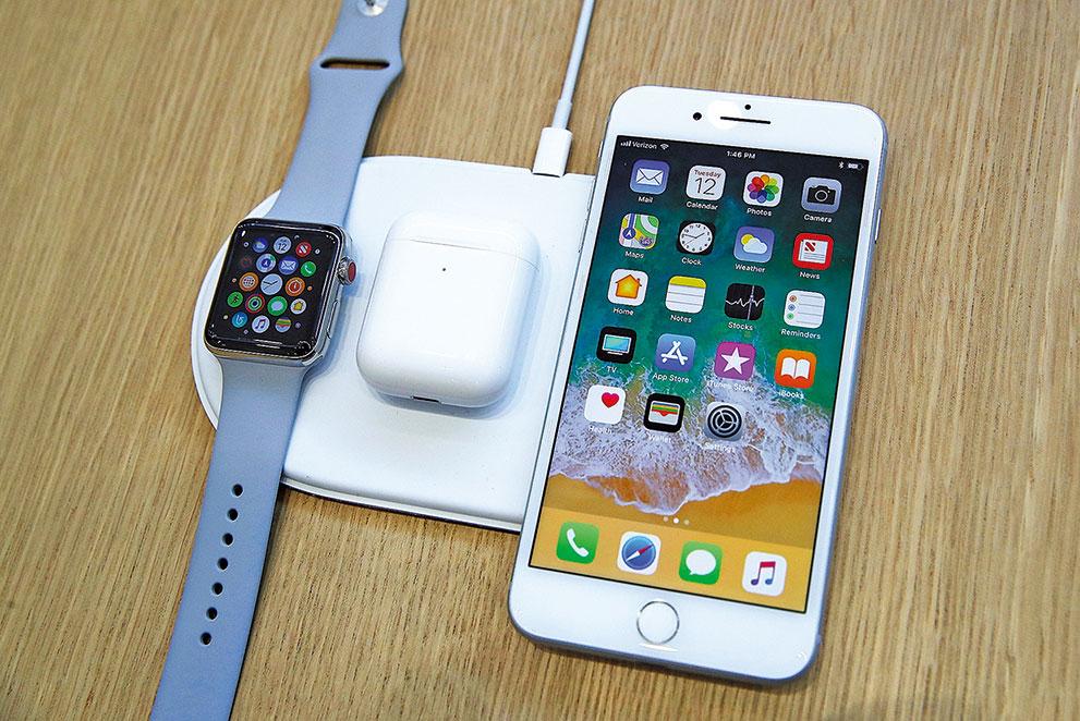2017年蘋果發佈了無線充電器AirPower。(Justin Sullivan/Getty Images)