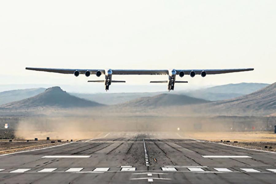 (擬送衛星入太空) 世界最大飛機首飛成功擬送衛星入太空