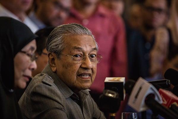 大馬總統馬哈蒂爾上台後,去年七月曾宣佈暫停馬來西亞東海岸鐵路。此後中共一直與馬方溝通,更表示願意降價換取復工。(Getty Images)