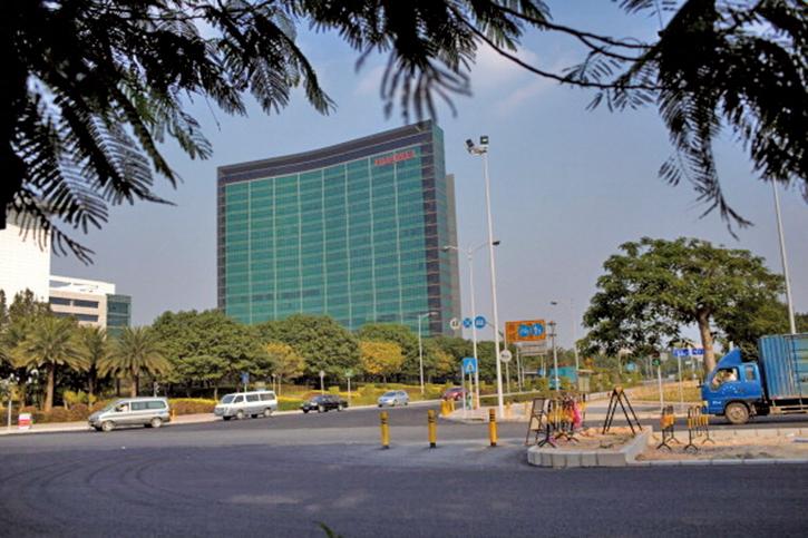 英國《泰晤士報》(The Times)周六(4月20日)報道,美國情報界指控華為是由中共國家安全機構資助。圖為華為深圳總部。(Getty Images)