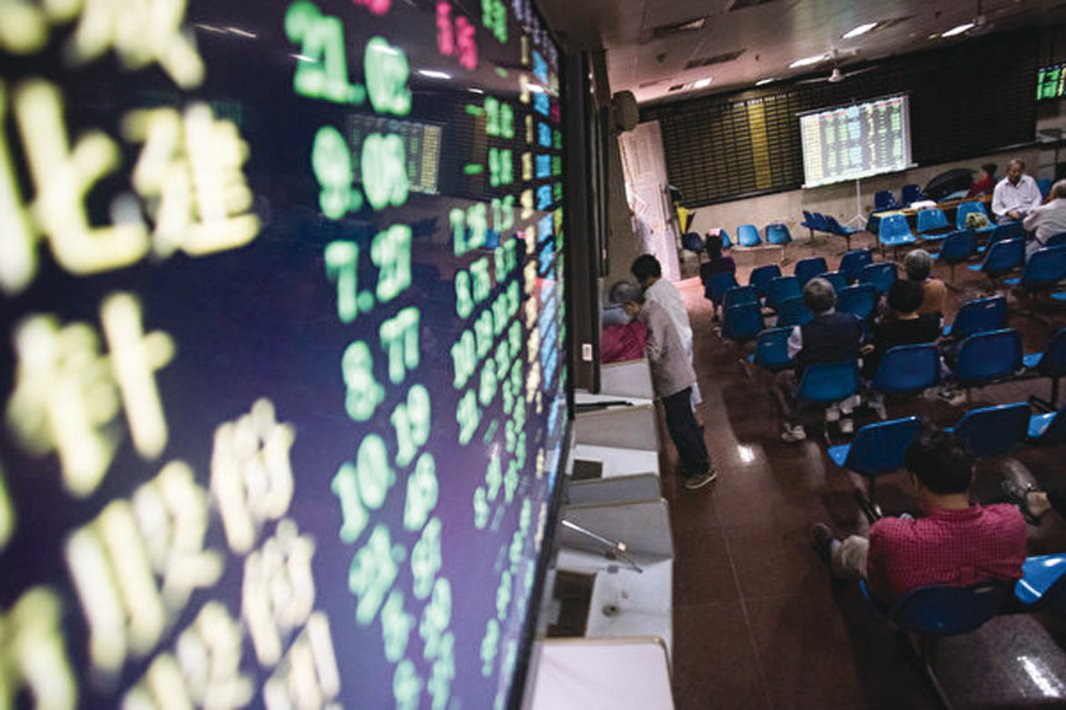 大陸股市資料照 (AFP PHOTO/JOHANNES EISELE)