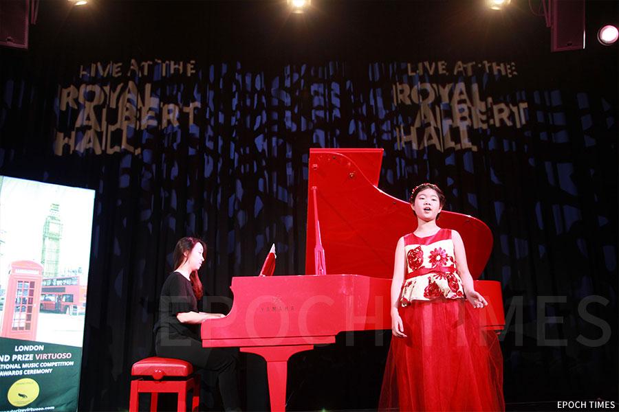 黃詠彤獲邀前往英國倫敦皇家阿爾伯特音樂廳表演聖歌經典《O'Holy Night》。(第一教育提供)