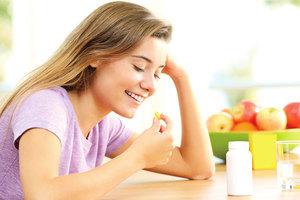 B群空腹吃最好? 一次看懂各維生素最佳服用時間