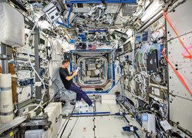 太空站遍佈細菌 將啟用消毒機器人