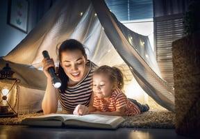 如何給嬰幼兒讀書和講故事