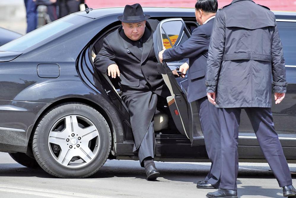 4月26日下午3點,金正恩結束訪俄行程提前返朝。(AFP)